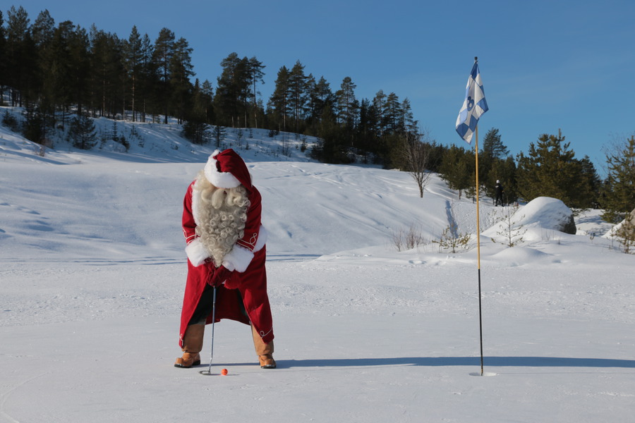 Santa golfing